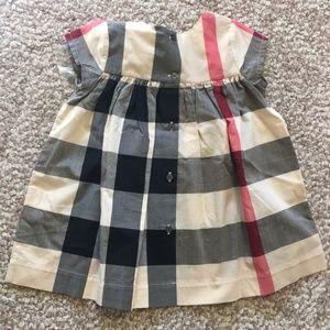 0913955e1a4e Burberry Dresses